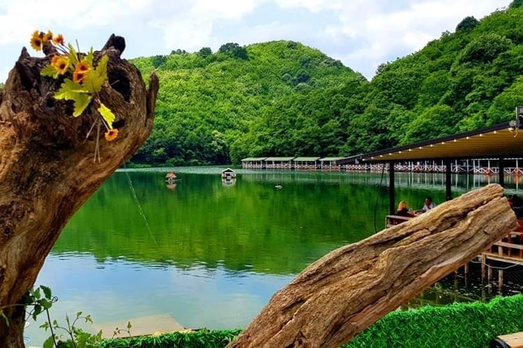 Doğa Harikası Saklı Göl